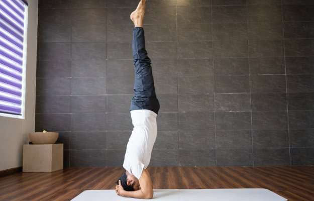 Yoga-For-Anxiety-Supported-Headstand   Yoga For Anxiety 5 Tips and Positions   5 Yoga For Anxiety   Supported Headstand (Salamba Sirsasana)