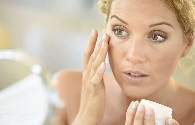 Using a moisturizer   How to Take Care of Your Skin During Menopause