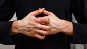 man-scratch-oneself-Determine-The-Root-Cause-Of-Autoimmune-Disorder-&-How-To-Fight-It | feature | Determine The Root Cause Of Autoimmune Disorder & How To Fight It